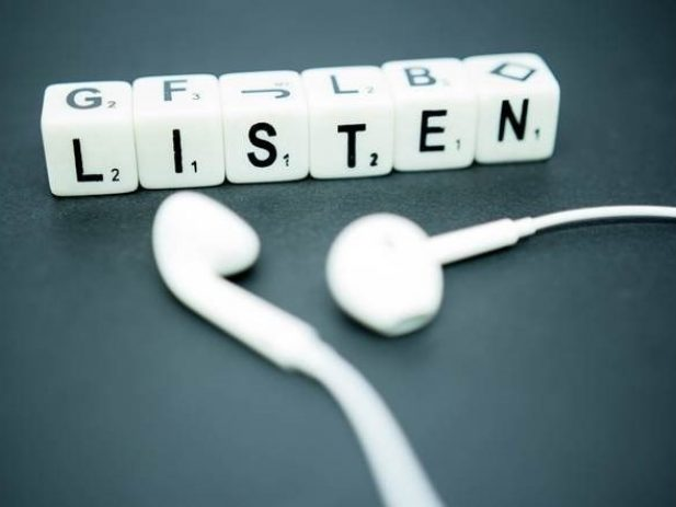 Boggle letter-word Listen and earbuds
